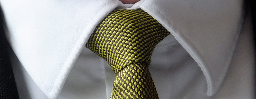 green tie for a wedding